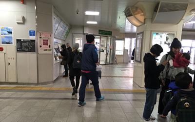 六甲道駅改札口画像