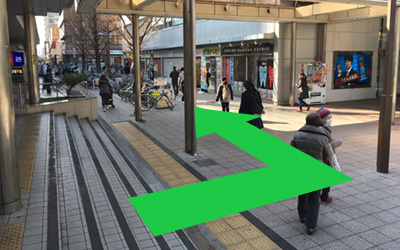駅出口道画像